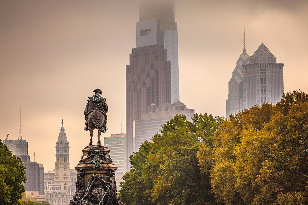 Philadelphia skyline in Fall